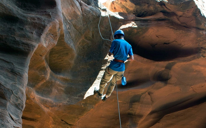 learn canyoneering in ecuador