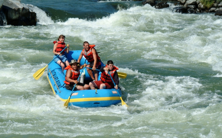 rafting trips in Oregon