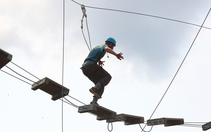 ropes course for struggling teens
