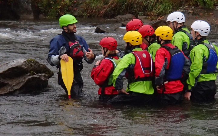 learn whitewater skills in north carolina