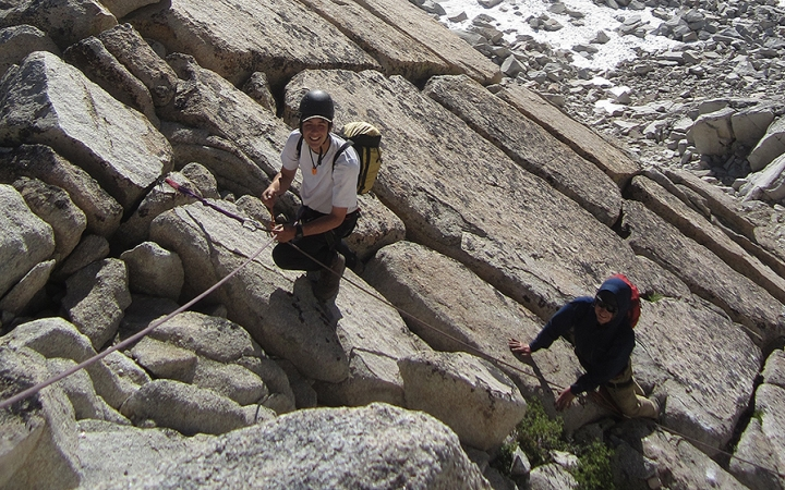 teens learn mountaineering skills in california