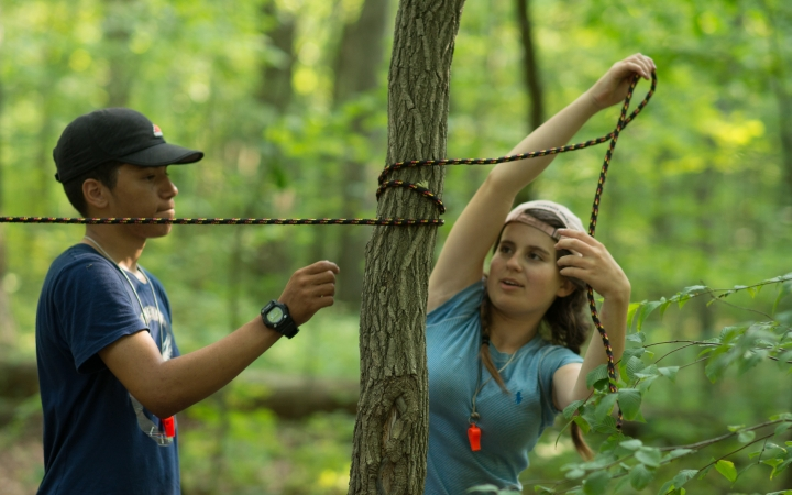 teens learn leadership skills on outdoor course