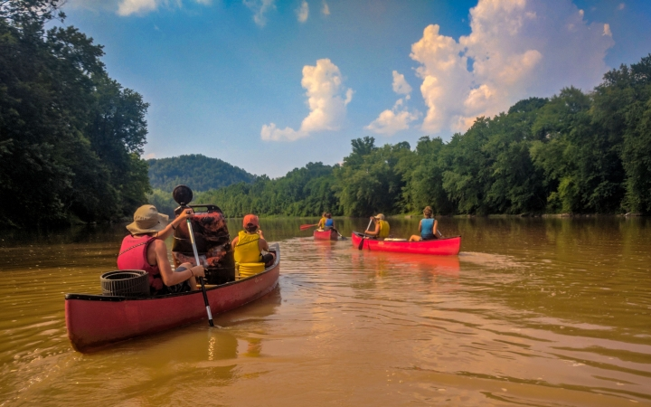 West Virginia canoeing adventure for students