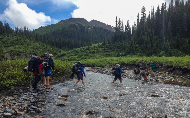 outdoor leadership class for young adults