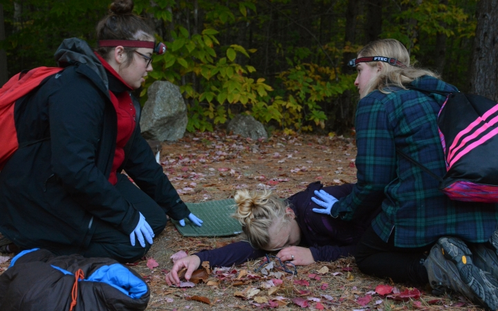 earn wilderness first responder certification in maine