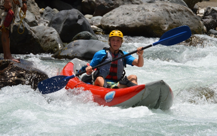 whitewater canoeing trip to costa rica