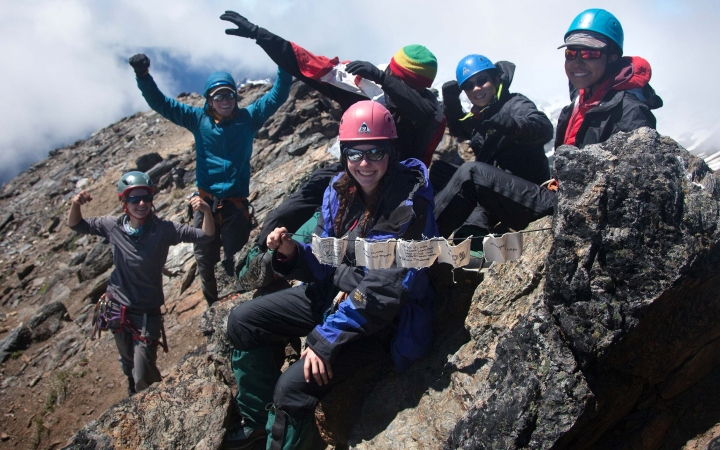 mountaineering course for teens
