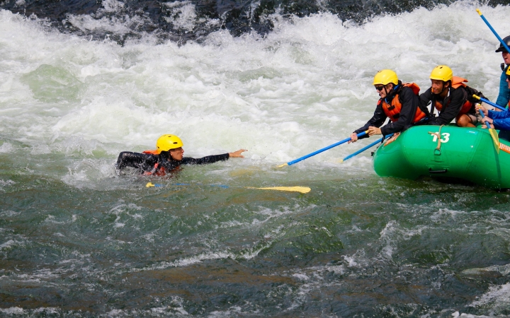 summer rafting program for teens