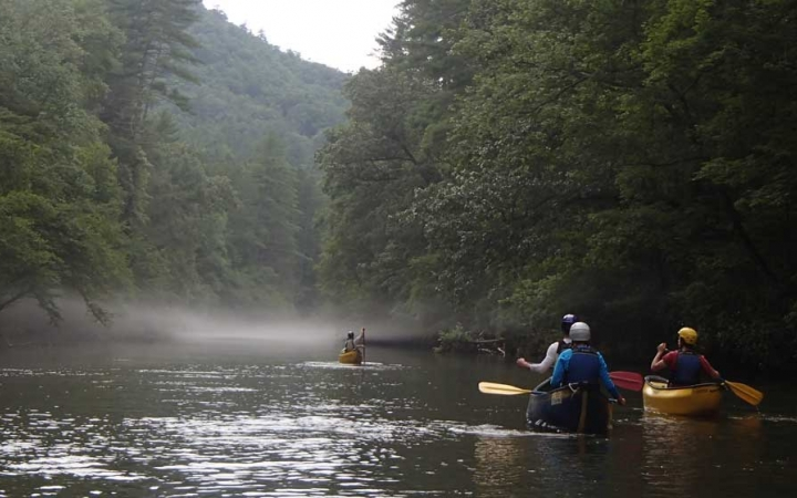 canoeing trip for adults in north carolina