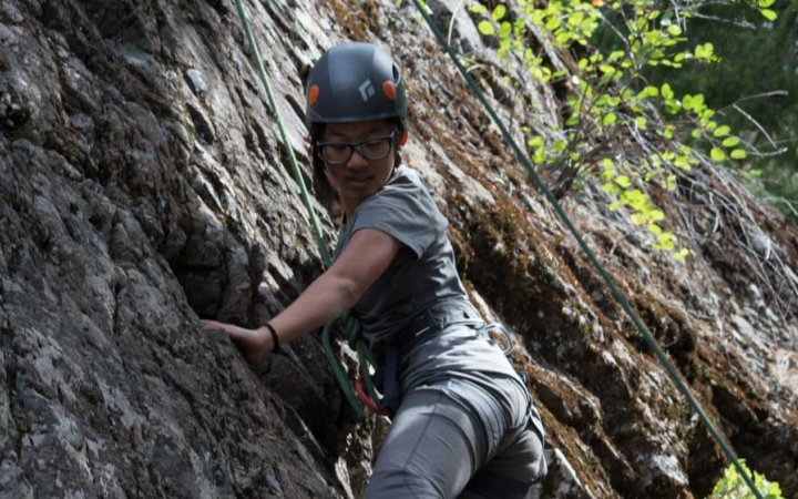rock climbing course for teen girls