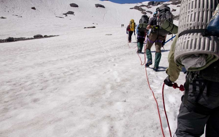 mountaineering trip for teens in pacific northwest
