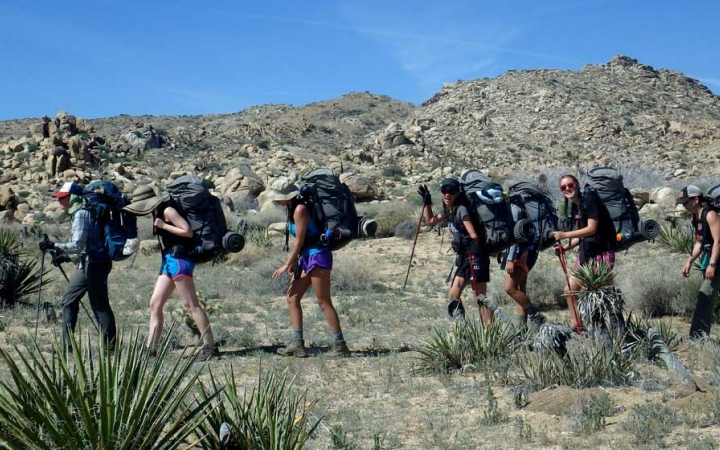 teens backpacking trip in joshua tree