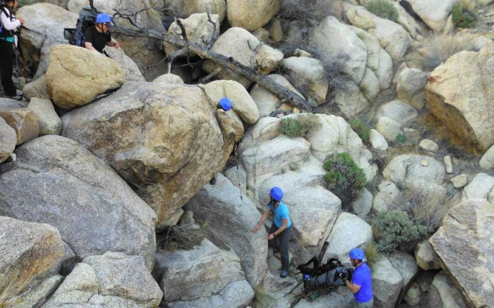 rock climbing camp for teens in joshua tree