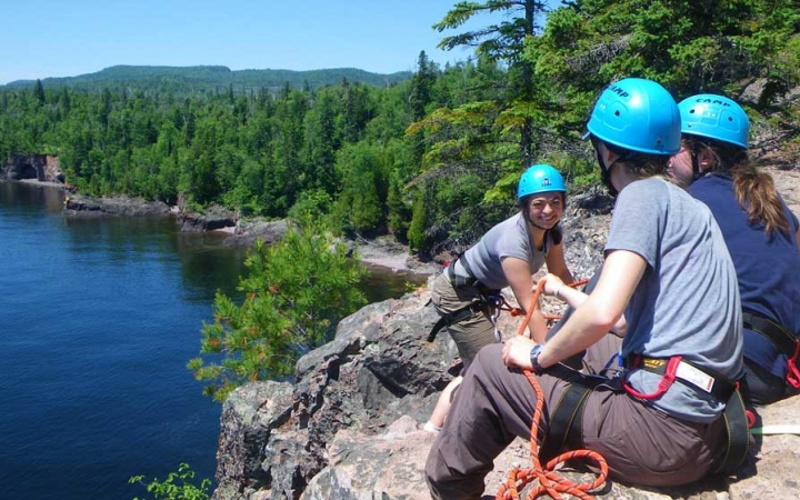rock climbing camp for teens in minnesota