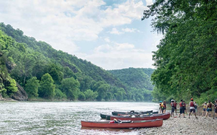 canoeing trip for teens in west virginia