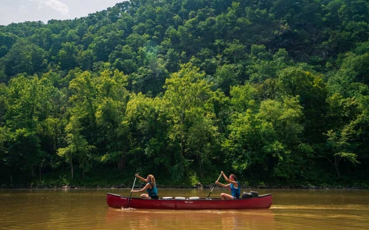 potomac river canoeing trip for girls