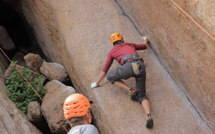 rock climbing class for teens in colorado