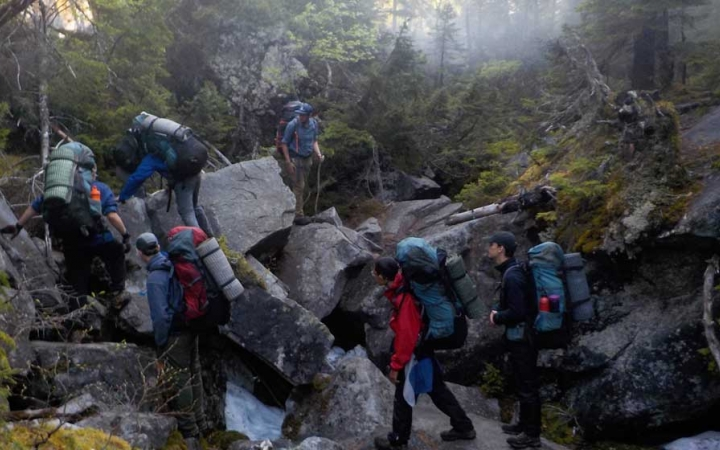 high schoolers backpacking