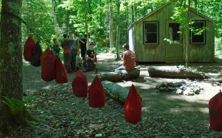 students learn backpacking skills in maine