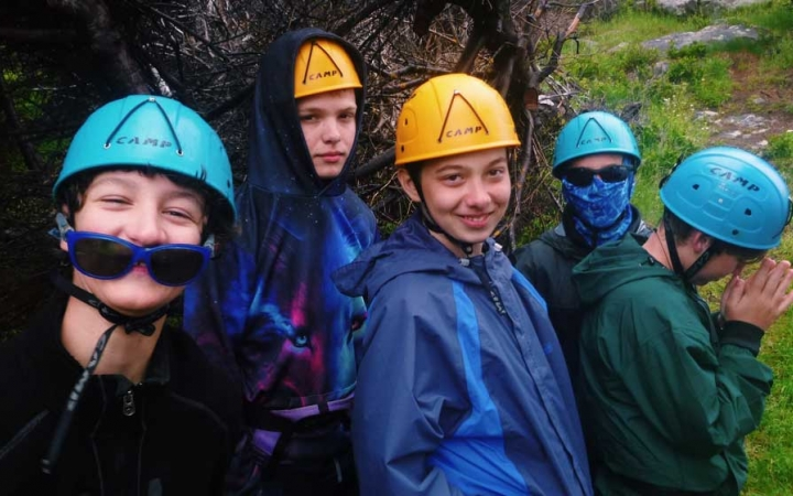 rock climbing camp for teen boys in middle school