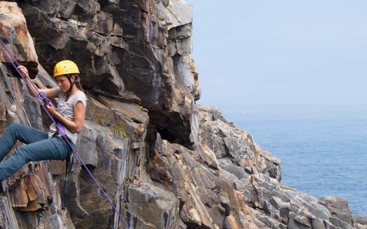 girls rock climbing in the northeast
