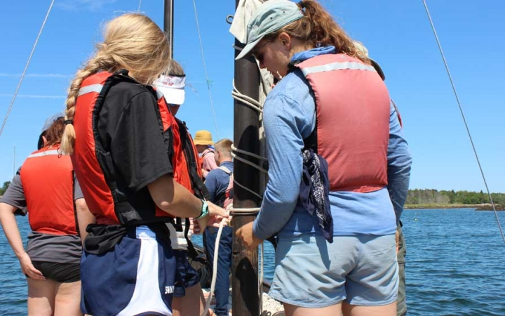 sailing course for girls in maine