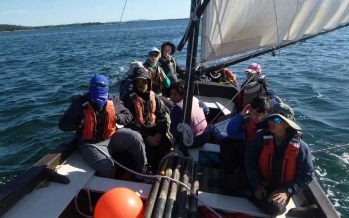 middle school students learn to sail