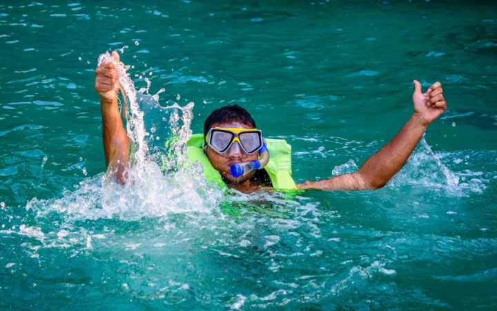 snorkeling trip for high schoolers in florida