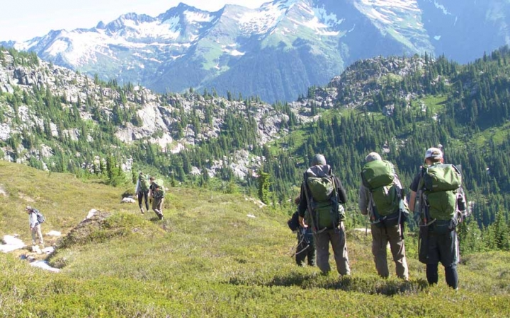 students mountaineering in pacific northwest