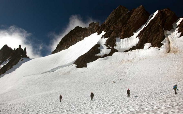 mountaineering trip for adults in oregon