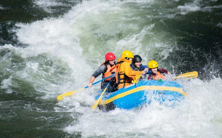 adult rafting course in oregon