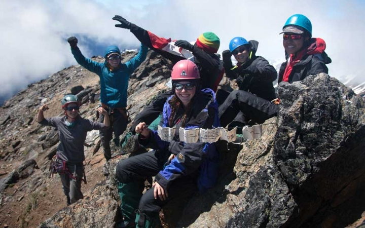 mountaineering course for teens in oregon