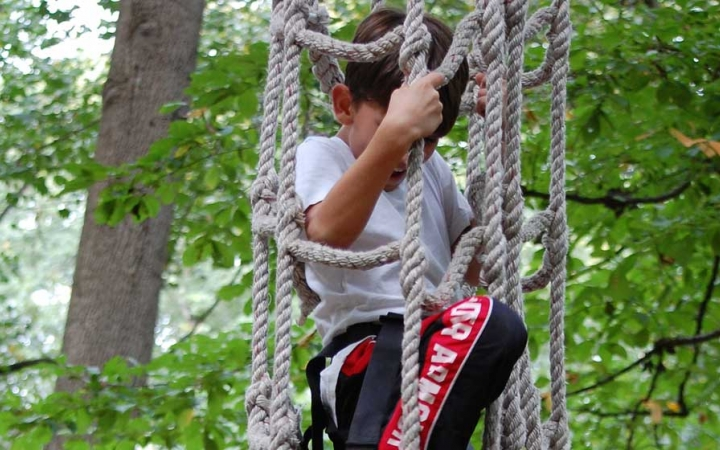 grieving teens find support on ropes course