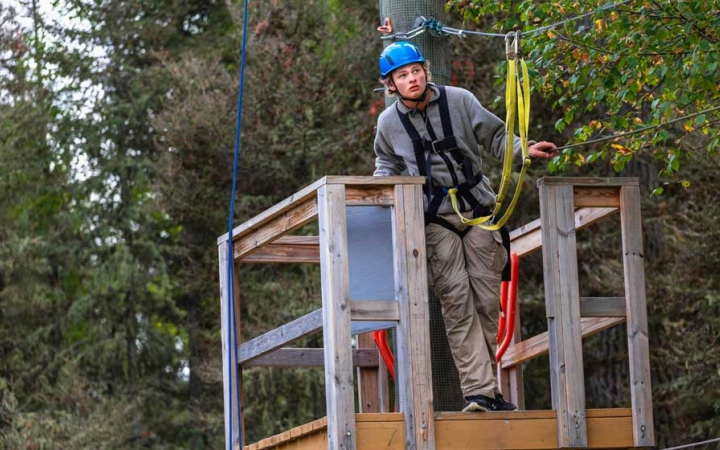 build life skills on ropes course
