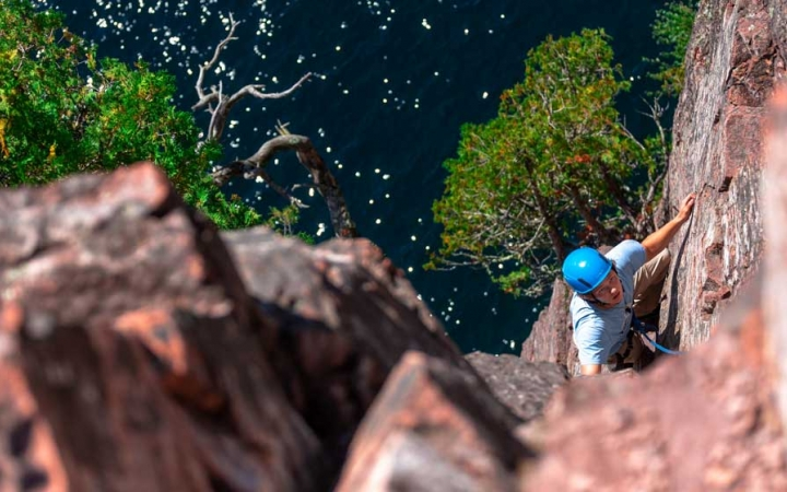 lake superior rock climbing lessons for adults