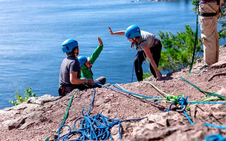 build confidence rock climbing