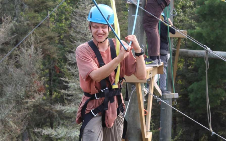 build confidence ropes course