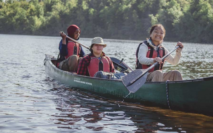 teens learn canoeing skills in minnesota