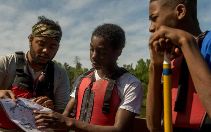 teens learn navigations skills on canoeing trip in minnesota