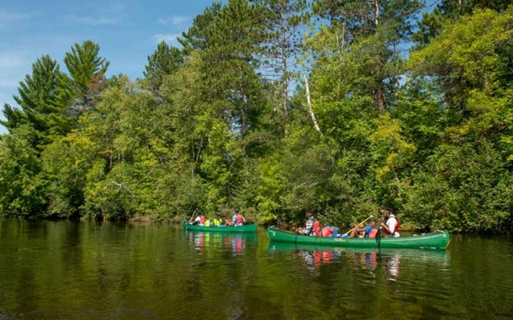teens canoeing camp in minnesota