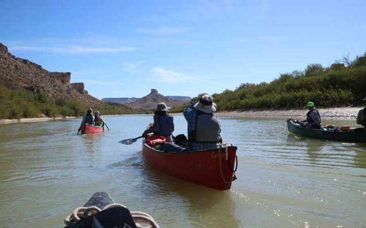 adults only canoeing trip in texas