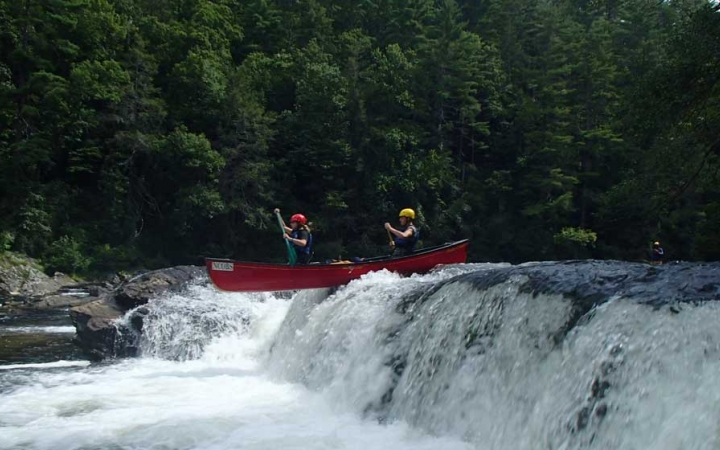 whitewater canoeing trip in north carolina