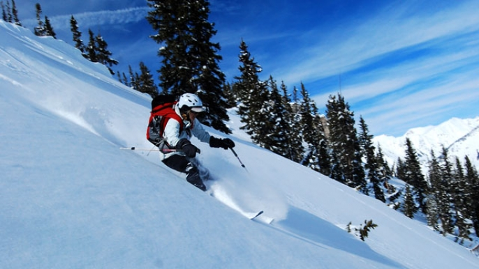 Backcountry Skiing Avalanche Images & Pictures - Becuo
